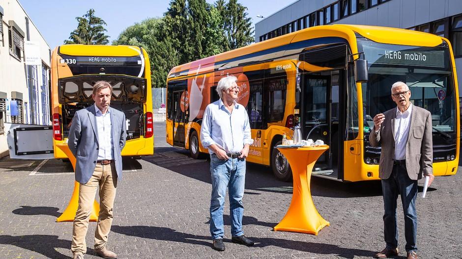 Einweihung der Elektrobusse in Darmstadt aus 2020.