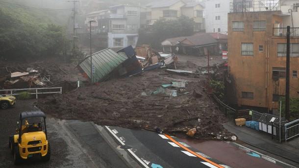 Starkregen und Erdrutsche in Japan