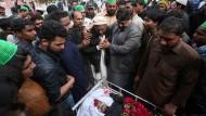 Pakistan: Beerdigung nach einem Anschlag vom Montag (Archivbild)