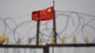 Die chinesische Flagge am 4. Juni 2019 in Xinjiang