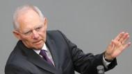 Schäuble stellt EU-Kommission in Frage