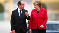 Gleichen Schrittes: François Hollande und Angela Merkel werben für ein Europa verschiedener Geschwindigkeiten.