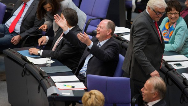 Steinbrück hat Spaß im Bundestag
