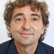 """Michael Horeni - Portraitaufnahme für das Blaue Buch """"Die Redaktion stellt sich vor"""" der Frankfurter Allgemeinen Zeitung"""