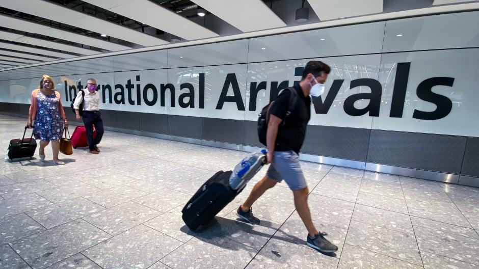 Sie durften schon wieder: Reisende am Flughafen Heathrow