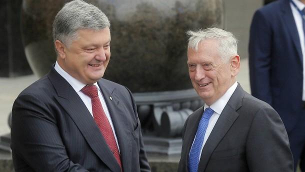 """Mattis: """"Russland möchte mit Gewalt eine neue Landkarte"""""""
