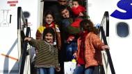 Humanitäre Geste: Im Rahmen des Resettlement-Programms kommt 2015 eine afghanische Familie in Hannover an.