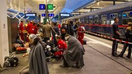 Dutzende Verletzte bei Zugunfall