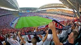Die Bundesliga ist abhängiger von TV-Verträgen