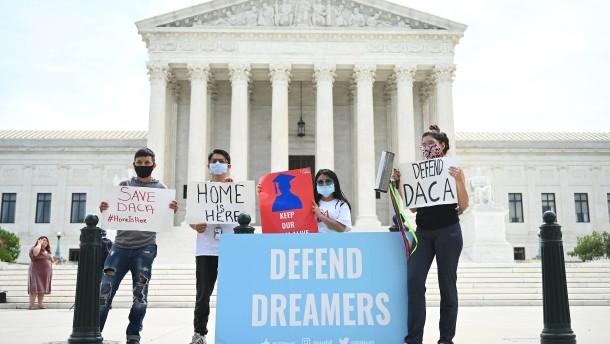 Gericht annulliert Trumps Vorgehen gegen junge Migranten