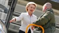 Von der Leyen kündigt gemeinsame Übungen von Bundeswehr und Polizei an