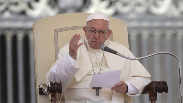 Papst geht mit Ölbranche ins Gericht