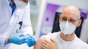 Koalition einigt sich auf Impfabfrage durch Arbeitgeber