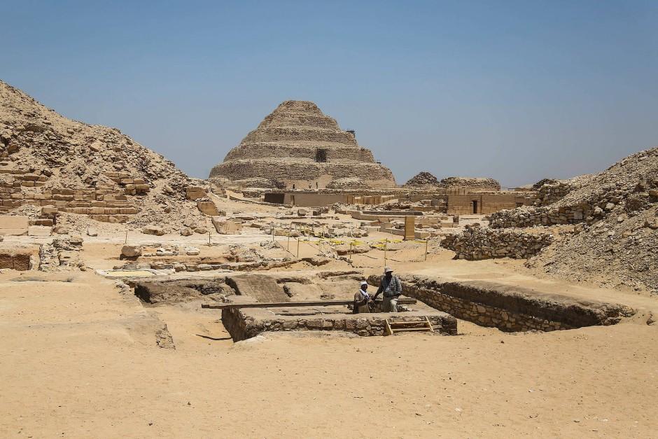 Funde in der Sakkara-Grabanlage könnten bisherige Rätsel der Ägyptologie lösen.