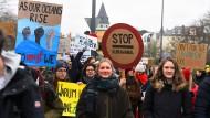 Schüler bei einer Klima-Demonstration am 8. Februar in Frankfurt