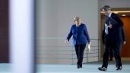 Bundeskanzlerin Angela Merkel (CDU) und der bayerische Ministerpräsident Markus Söder (CSU) Ende April in Berlin