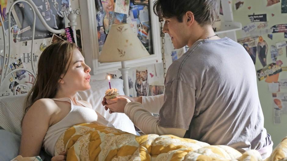 """Happy Birthday: Chiara Aurelia und Froy Gutierrez in """"Cruel Summer"""""""