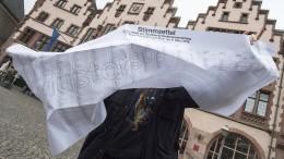 Der Stimmzettel in Frankfurt wird größer und größer
