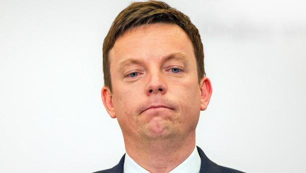 Ein Ministerpräsident versucht, französische Sorgen zu zerstreuen