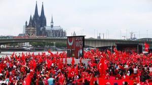 Junge Union fordert Deutschpflicht für Demonstrationen