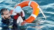 Die dramatische Rettungsaktion vor der Küste der spanischen Exklave Ceuta.