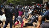 Gewalttätige Proteste gegen Studiengebühren in Südafrika