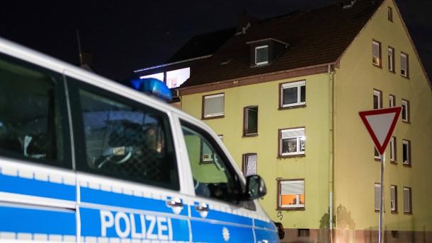 200 Menschen stören Polizei bei Festnahme eines 18-Jährigen