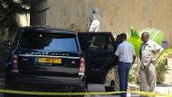 Das Auto des Entführen vor einem Hotel in Daressalam