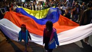 Studenten demonstrieren in Bogota für den Frieden