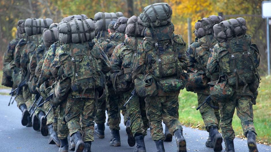 Soldaten in der Grundausbildung