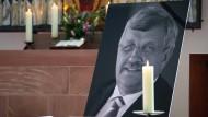 Verleumdet: Der Kasseler Regierungspräsident Lübcke ist immer noch Ziel von Hass und Hetze