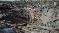Zerstörte Häuser nach einem israelischen Luftschlag im Gazastreifen