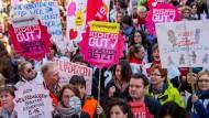 Eltern drohen unbefristete Streiks in Kitas
