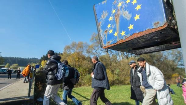 Wieder Tausende Flüchtlinge in Bayern angekommen