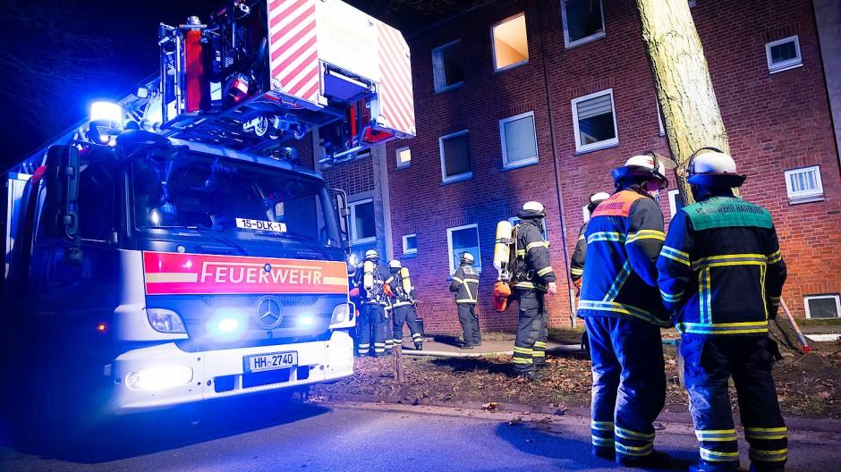 Feuerwehren und Rettungsdienste arbeiten stets zusammen, die richtigen Strukturen sind für eine gelungene Kommunikation allerdings wichtig.