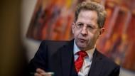 Verfassungsschutz-Präsident Hans-Georg Maaßen will wegen der Anschuldigen zu Absprachen mit der AfD aussagen.