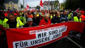20.000 Arbeiter demonstrieren für ihre Kohle-Jobs