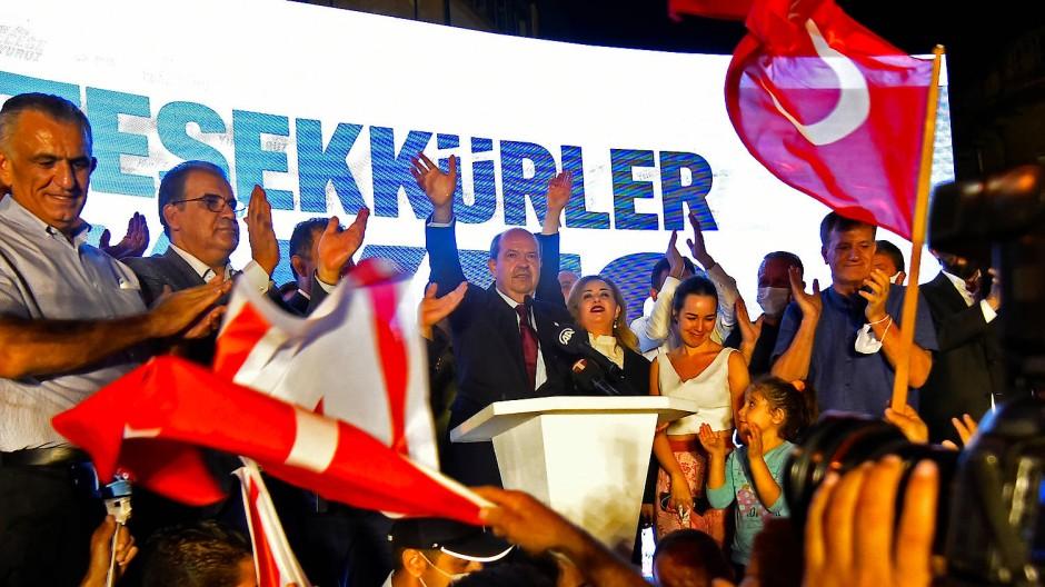 Ein Hardliner? Tatar nach der Wahl am Sonntagabend im türkischen Teil Nikosias.