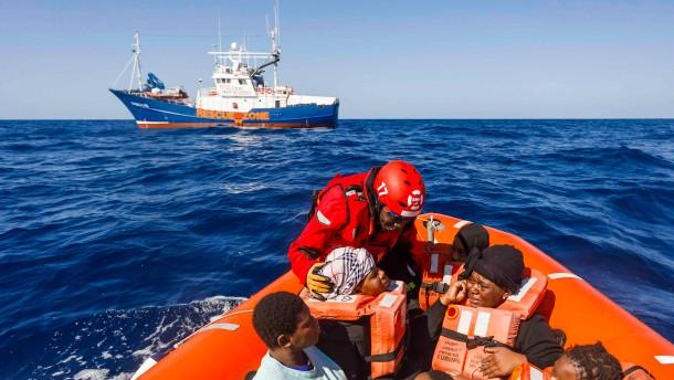 """""""Aita Mari"""" rettet 43 Migranten"""