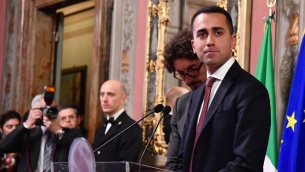 Regierungsbildung in Italien: Fünf-Sterne-Bewegung fordert Neuwahlen