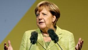 Merkels schwerer Stand im Osten