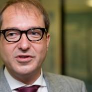 Will Gas geben - bei selbstfahrenden Autos und im Internet: Bundesverkehrsminister Alexander Dobrindt (CSU)
