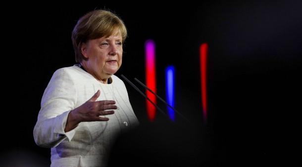 Kanzlerin Angela Merkel verspricht, Juden in Deutschland zu schützen.