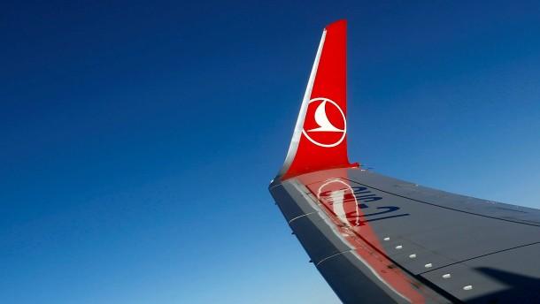 Frau stirbt im Flieger nach Frankfurt