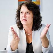 Gelobt Besserung: Sylvia Weber (SPD) verspricht den Schulen Tablets und W-Lan.