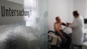 Ärzte verdienen im Monat 5500 Euro netto