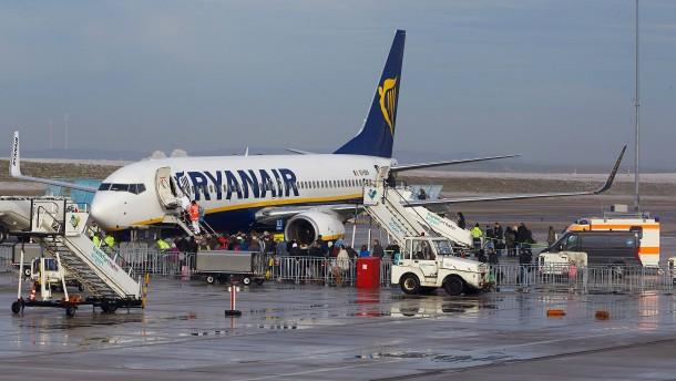 33 Ryanair-Passagiere aus Krankenhaus entlassen