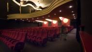 Lichtspiele: Die Caligari-Filmbühne wird als erstes städtisches Gebäude mit LED-Technik ausgestattet.