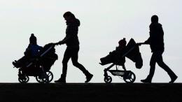 Giffey will Corona-Auswirkungen auf Elterngeld schmälern