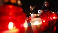 In Mostar stellten Kroaten Kerzen für Slobodan Praljak  auf